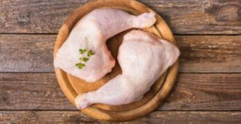How long does it take to boil chicken thighs?